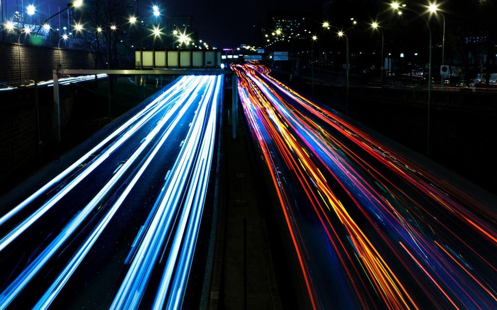 car-lights-big-city-streets-night-2560x1600